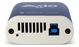 av.io 4K的底部,显示USB 3输入